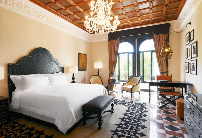 hotel-alfonso-xiii-a-luxury-collection-hotel-seville