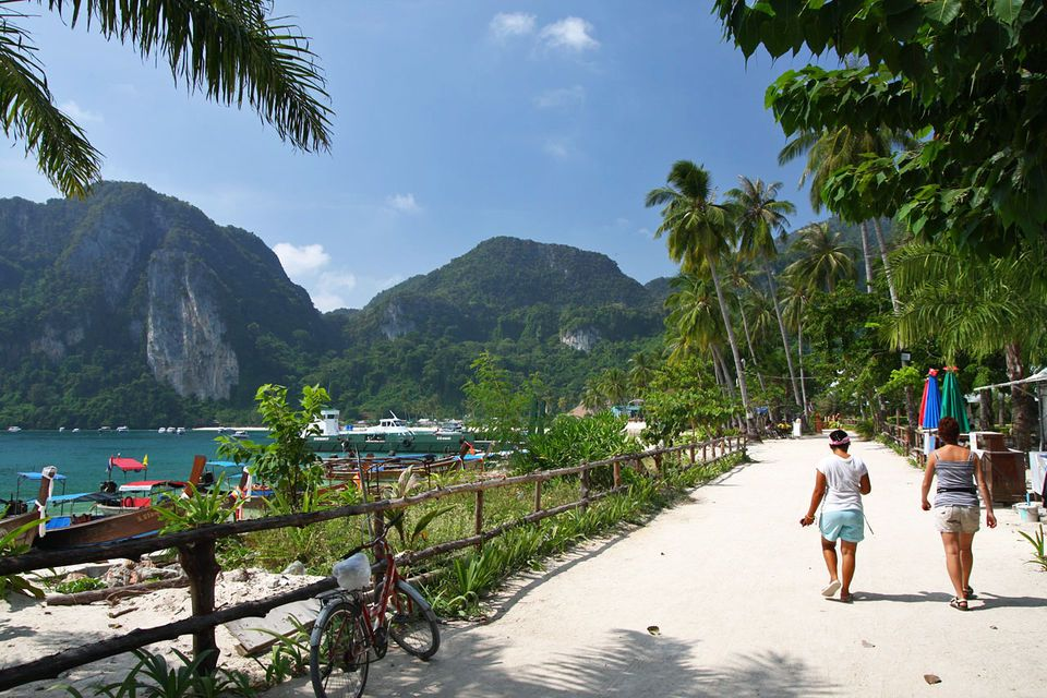 Phi Phi Islands Full-Day Speedboat Trip from Krabi